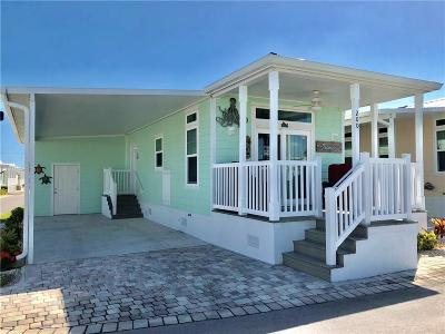 Martin County Single Family Home For Sale: 200 NE Sail Way