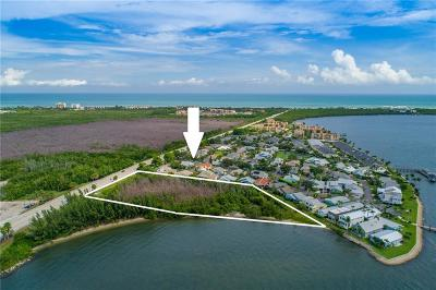 Jensen Beach Single Family Home For Sale: 3180 NE Causeway Blvd