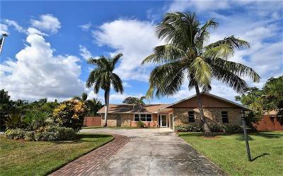 Stuart Single Family Home For Sale: 4943 SE Bayshore Terrace