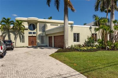 Palm City Single Family Home For Sale: 56 SW Riverway Blvd