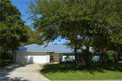 Stuart Single Family Home For Sale: 8 Riverview Drive
