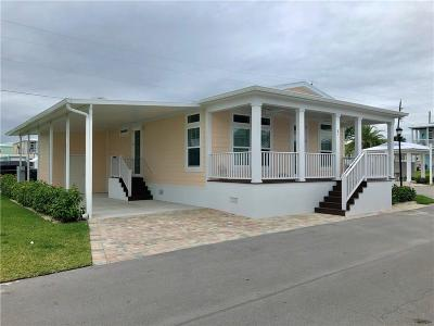 Jensen Beach Single Family Home For Sale: 81 NE Riptide Drive