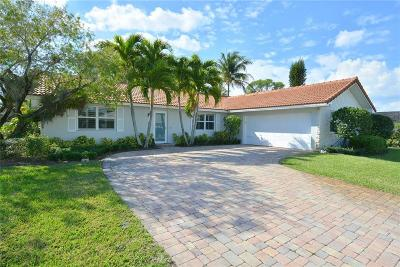 Yacht & Cc/Stuart, Yacht & Count Club Of Suart, Yacht & Country Club, Yacht & Country Club Of Stuart, Yacht & Country Club Stuart, Yacht And Country Club Of Stua, Yatch & Country Club Stuart Single Family Home For Sale: 3952 SE Fairway West