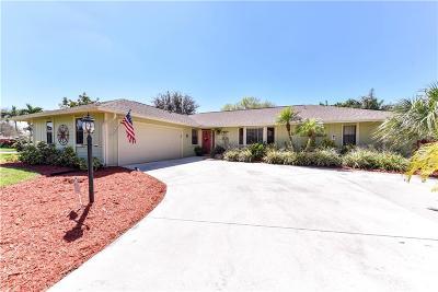 Jensen Beach Single Family Home For Sale: 2090 NE Pinecrest Lakes Blvd