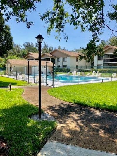 Martin County Condo/Townhouse For Sale: 842 NW Fork Road
