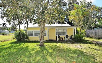 Cleveland 3rd Add, Cleveland 4th Add, Cleveland Add, Cleveland Add 03, Palm City, Palm City Amd, Palm City Amended, Palm City Gardens, St Lucie Shores Sec 01 Single Family Home For Sale: 976 SW 34th Terrace