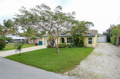 Jensen Beach Single Family Home For Sale: 3055 NE Lake Avenue
