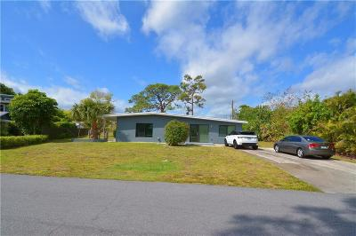 Martin County Single Family Home For Sale: 842 SE Stafford Drive