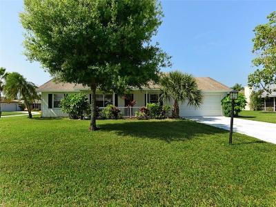 Jensen Beach Single Family Home For Sale: 882 N Coy Senda
