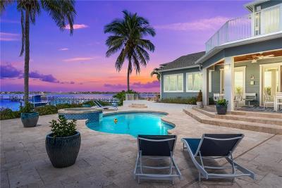 Stuart Single Family Home For Sale: 2021 SE Riverside Drive
