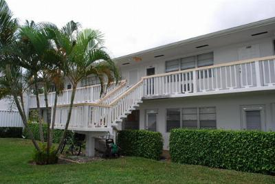 West Palm Beach FL Condo Sold: $18,000