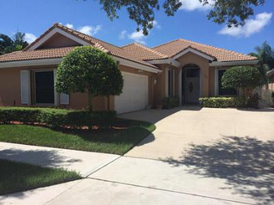 Single Family Home Closed: 157 S Hampton Drive