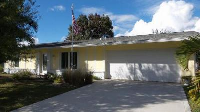 Single Family Home For Sale: 715 SE Fallon Drive