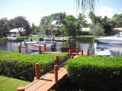 Single Family Home Closed: 8889 SE Compass Island Way