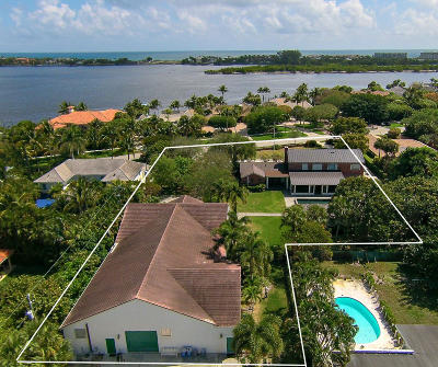 West Palm Beach Single Family Home For Sale: 7621 S Flagler Drive
