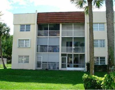 West Palm Beach Rental Leased: 1630 Embassy Drive #212