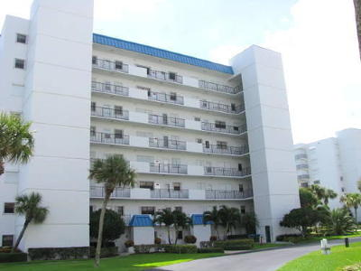 Hutchinson Island FL Condo Closed: $222,000