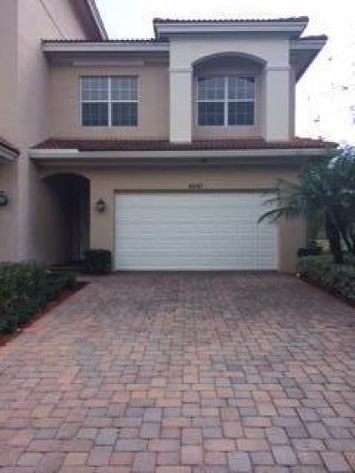 Townhouse Sold: 4567 Artesa Way S
