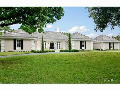 Single Family Home Closed: 18116 SE Laurel Leaf Lane