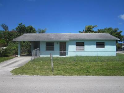 Single Family Home Closed: 225 S Orange Avenue