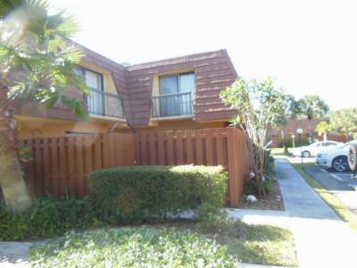 Townhouse Sold: 825 Center Street #52d