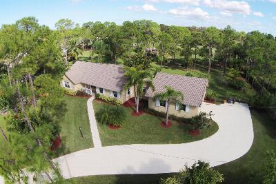 Single Family Home Sold: 1392 SE Colony Way