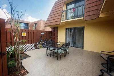 Townhouse Sold: 825 Center Street #47c