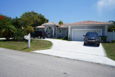 Singer Island Single Family Home For Sale: 1061 Bimini Lane