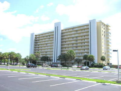Hutchinson Island FL Condo Closed: $195,000