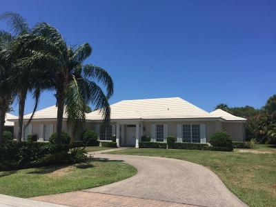 North Palm Beach Single Family Home For Sale: 11330 Golfview Lane