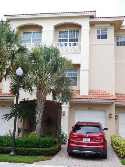 Townhouse Closed: 4910 Vine Cliff Way E