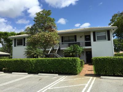 Boynton Beach Condo For Sale: 28 Stratford Lane W #B