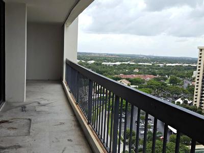 West Palm Beach Condo Sold: 2425 Presidential Way #1802