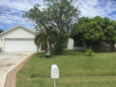 Port Saint Lucie Single Family Home Contingent: 541 SW Lairo Av