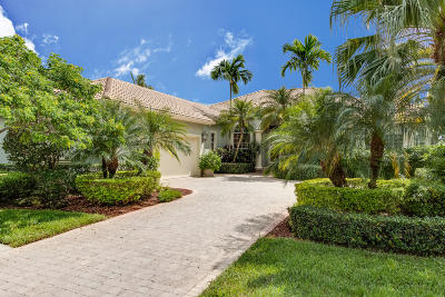 West Palm Beach Single Family Home For Sale: 9070 Lakes Boulevard