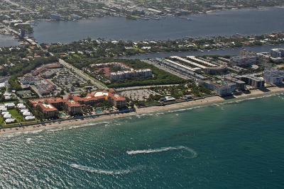 South Palm Beach Condo Sold: 4501 S Ocean Boulevard #D3