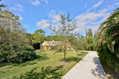 Jupiter Single Family Home For Sale: 10442 Trailwood Circle