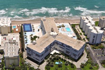 Palm Beach Condo For Sale: 3546 S Ocean Boulevard #923