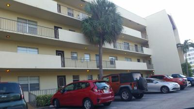 West Palm Beach Condo Sold: 1638 Embassy Drive #101