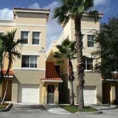 Palm Beach Gardens Condo For Sale: 11013 Legacy Lane #204