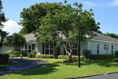 Boynton Beach Single Family Home For Sale: 4817 S Lake Drive