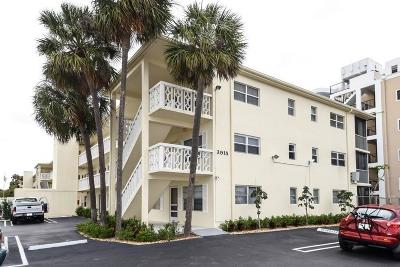 West Palm Beach Condo Sold: 3915 S Flagler Drive #104