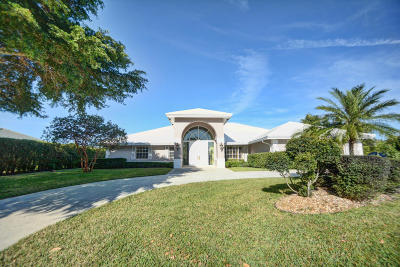 Boynton Beach Single Family Home For Sale: 4781 S Lake Drive