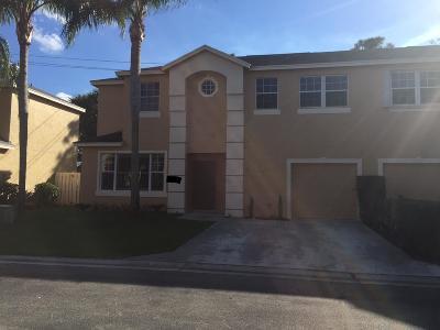 Townhouse Sold: 304 Laurel Oaks Way