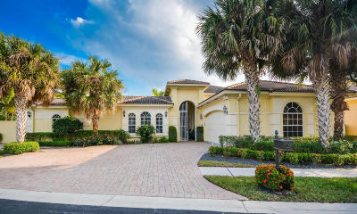 Delray Beach Single Family Home For Sale: 6412 Polo Pointe Way