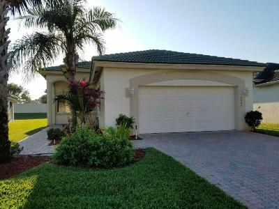 Boynton Beach Single Family Home Contingent: 8062 Bellafiore Way
