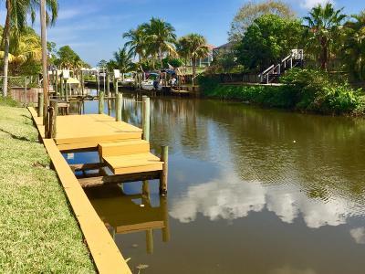 Port Saint Lucie Single Family Home For Sale: 162 NE Surfside Avenue
