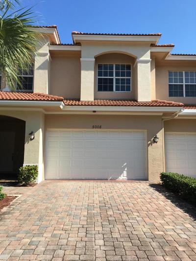 Townhouse Closed: 5008 Vine Cliff Way W