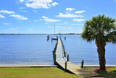 Jensen Beach Single Family Home For Sale: 1712 NE Seahorse Drive