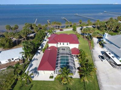 Fort Pierce Single Family Home For Sale: 5407 S Indian River Drive